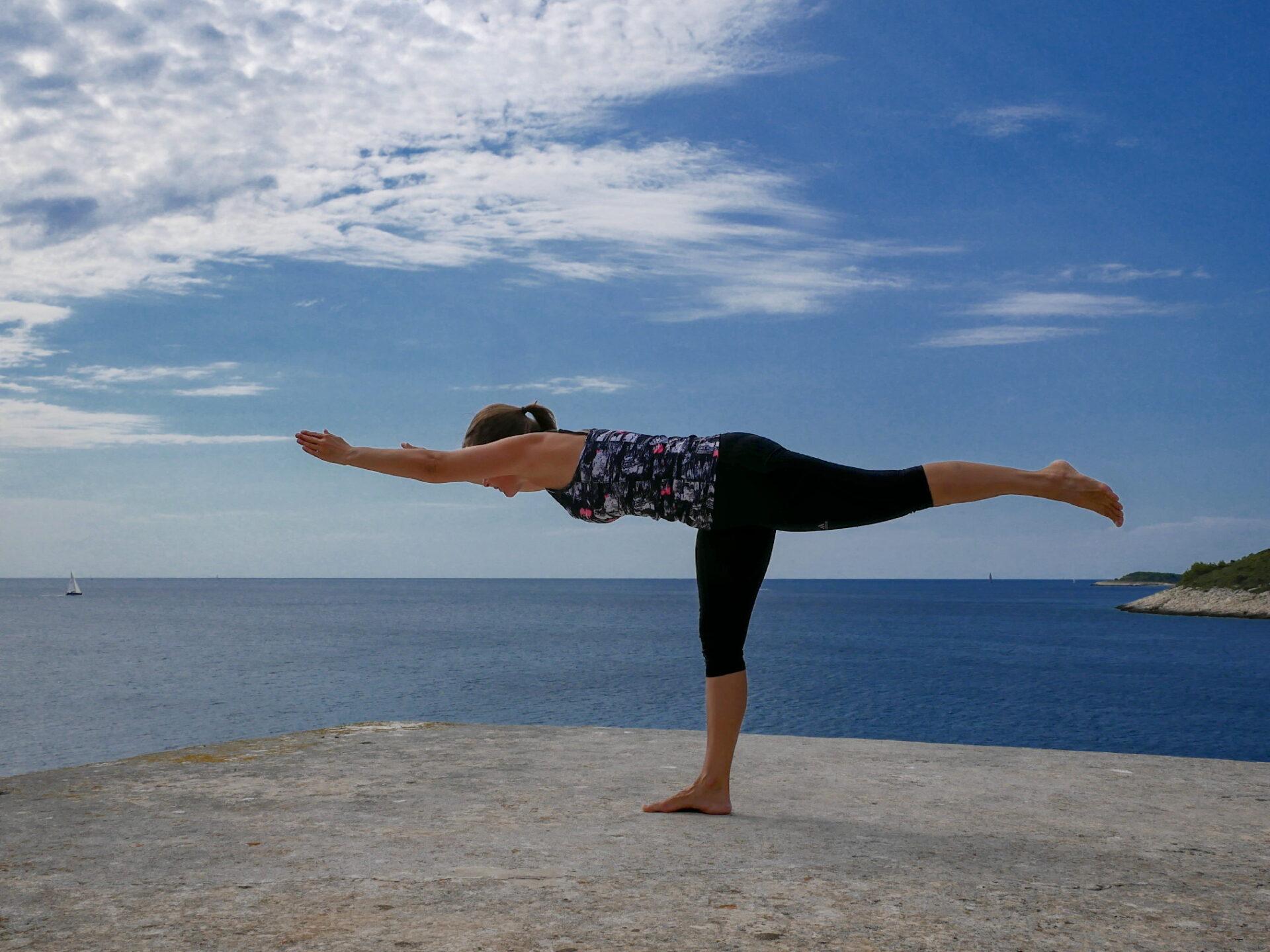 Hatha yoga intermediate level and advanced students